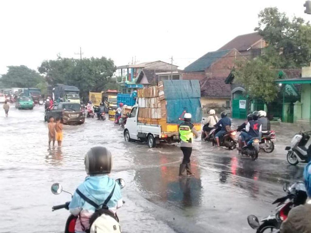 Akses Utama Surabaya-Probolinggo di Jalan Tambakrejo Pasuruan Kembali Dibuka
