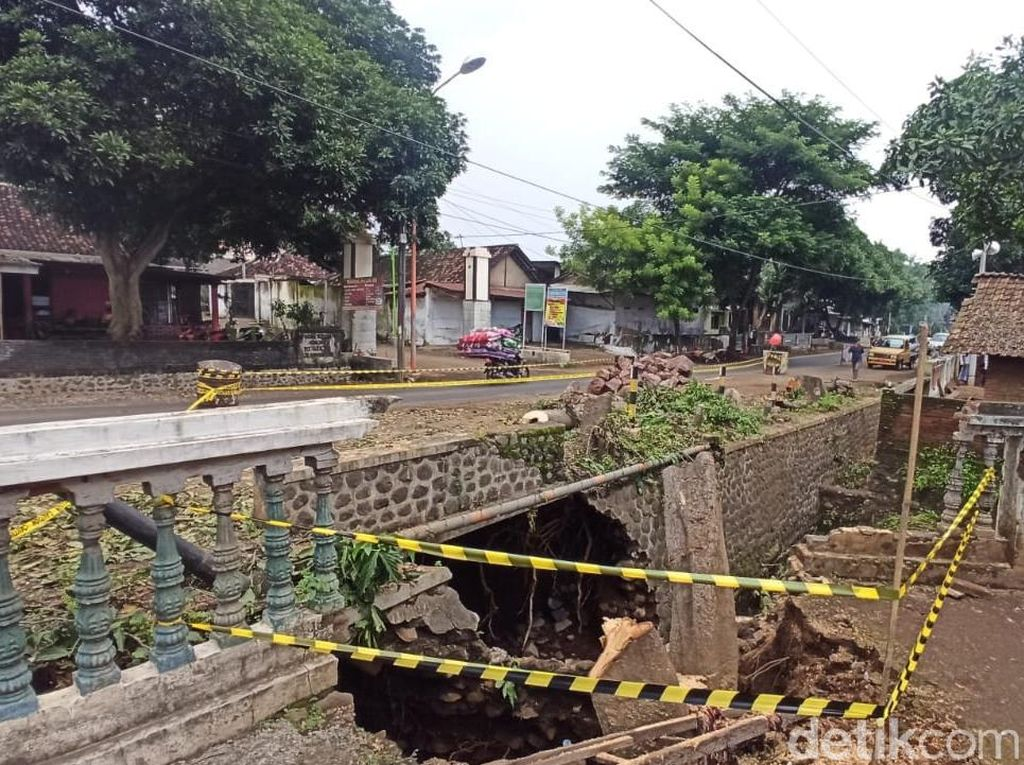 Balai Besar Pelaksanaan Jalan Nasional Jatim Cek Jembatan Ambrol Banyuwangi