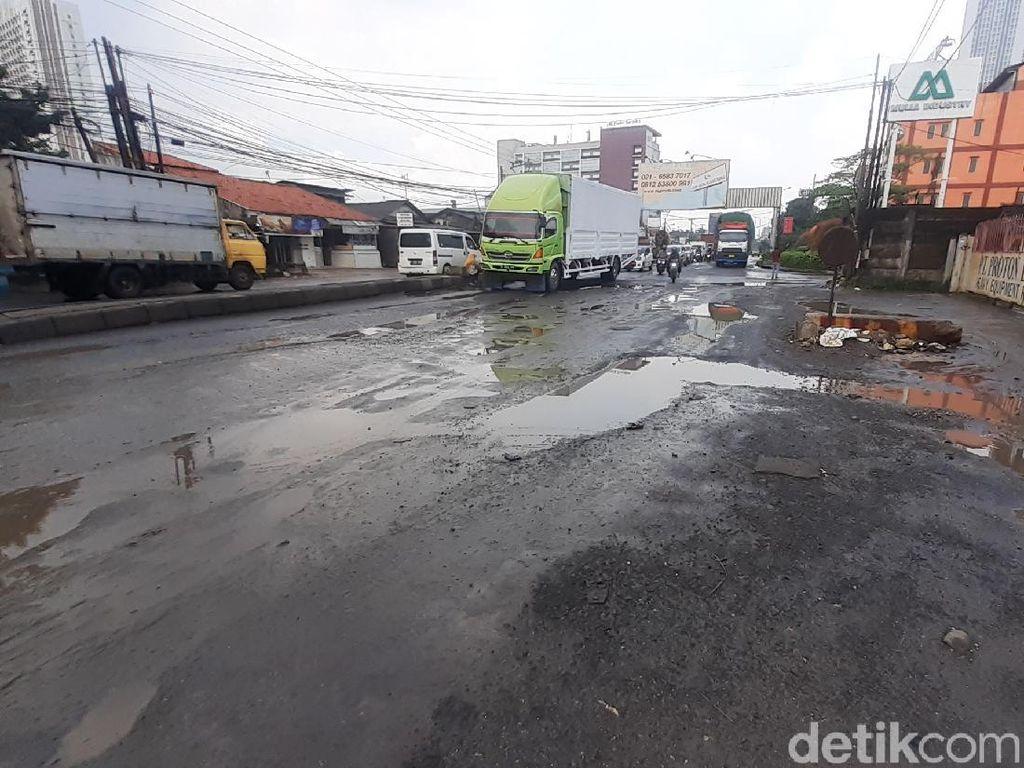 Masih Belum Mulus, Jl Industri Kabupaten Bekasi Akan Diperbaiki Lagi