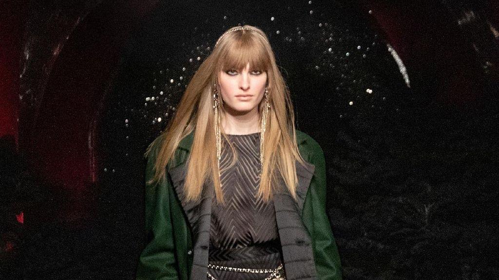 10 Koleksi Terbaru Chanel, Gaya Parisian Chic untuk Girls Night Out