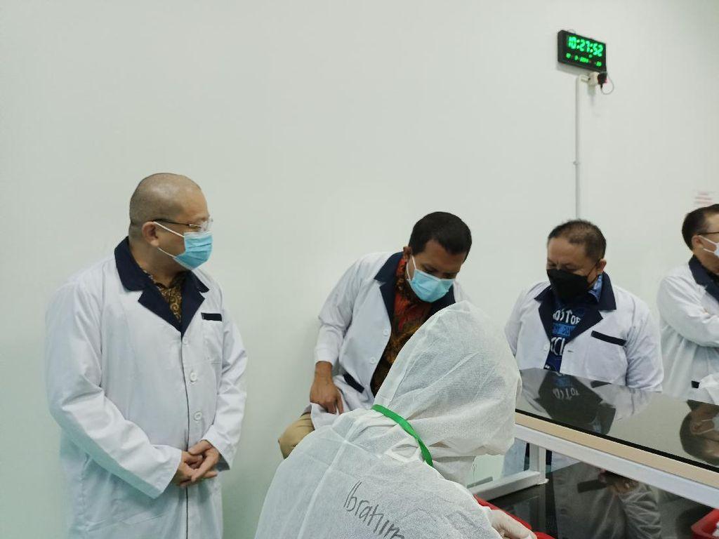 Datangi Pabrik Antigen di Jakbar, Pimpinan Komisi IX: Cintai Produk Indonesia
