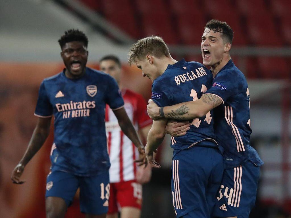 Tumbangkan Olympiakos, Odegaard: Arsenal Dapat Banyak Gol Tandang