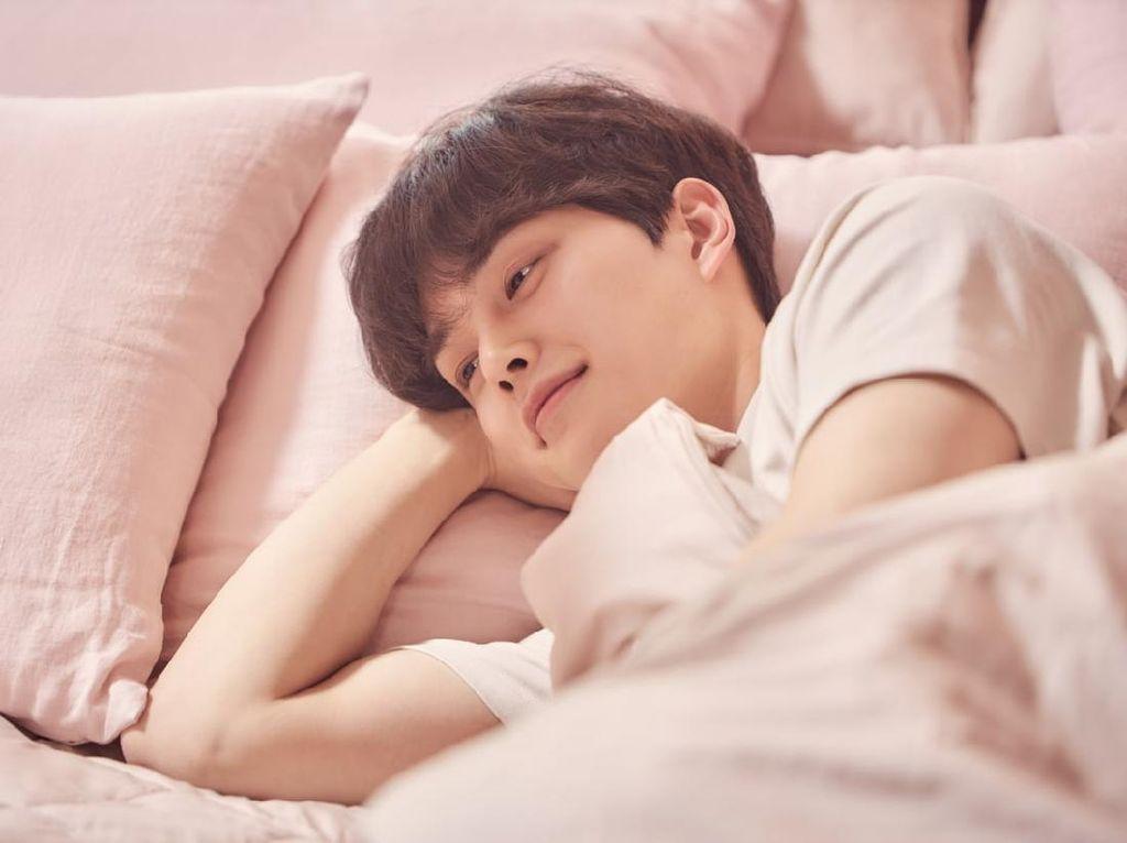 5 Momen Ini Bikin Kamu Ingin Puk-puk Hwang Sun Oh di Love Alarm 2