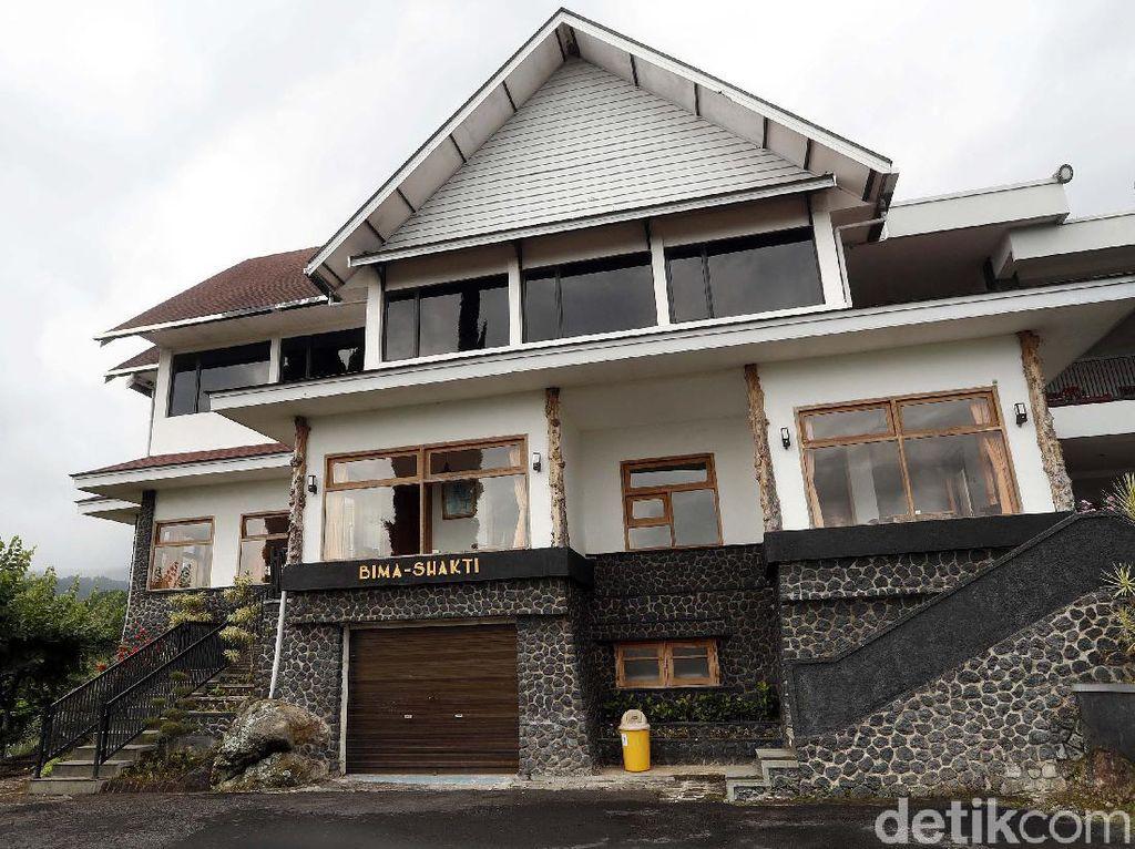 Melihat Tempat Peristirahatan Bung Karno di Selecta Malang