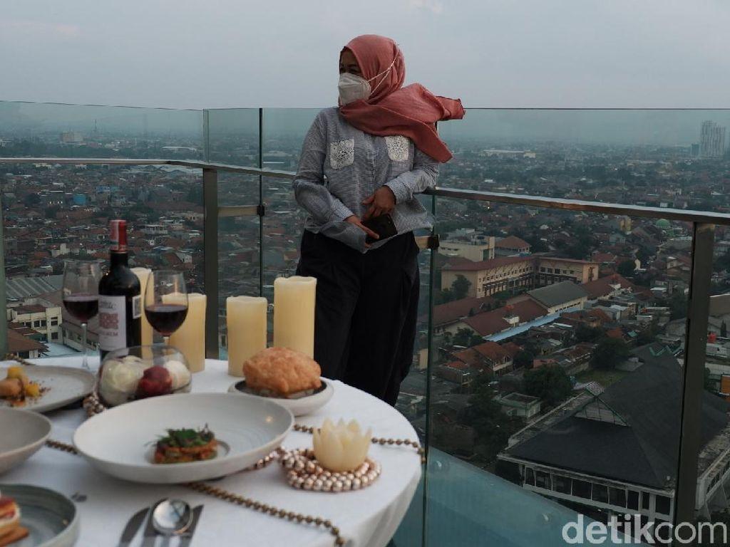 Nikmatnya Santapan Prancis di Lantai Tertinggi Ikonik Kota Bandung