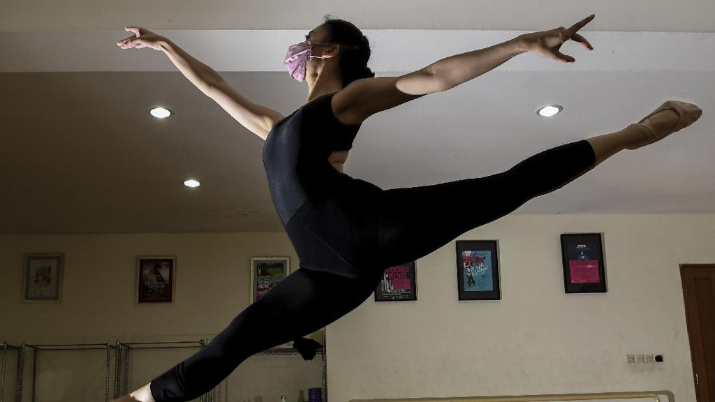 Berlatih Balet Tatap Muka di Masa Pandemi