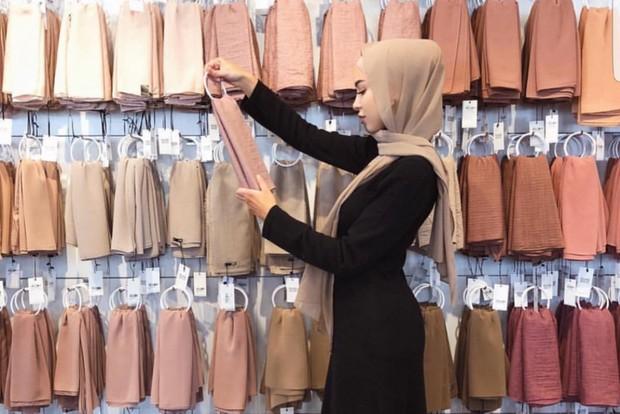 foto: memilih hijab/id.pinterest.com/Zahrah Rose