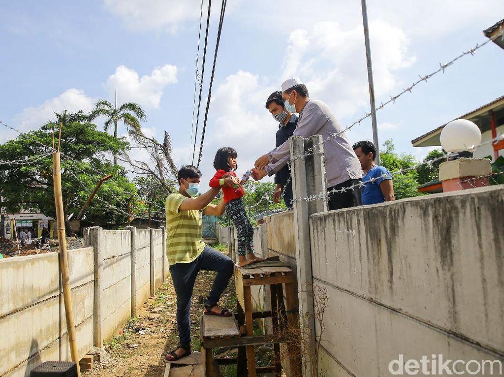 Warga Ciledug yang Akses Rumahnya Ditutup Minta Tembok Beton Dibongkar Segera