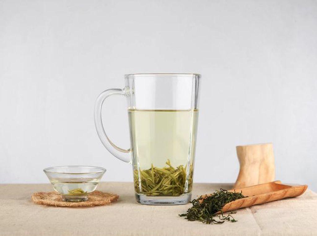 Manfaat Minum Teh Putih, Bikin Kulit Cerah dan Mulus Tanpa Jerawat