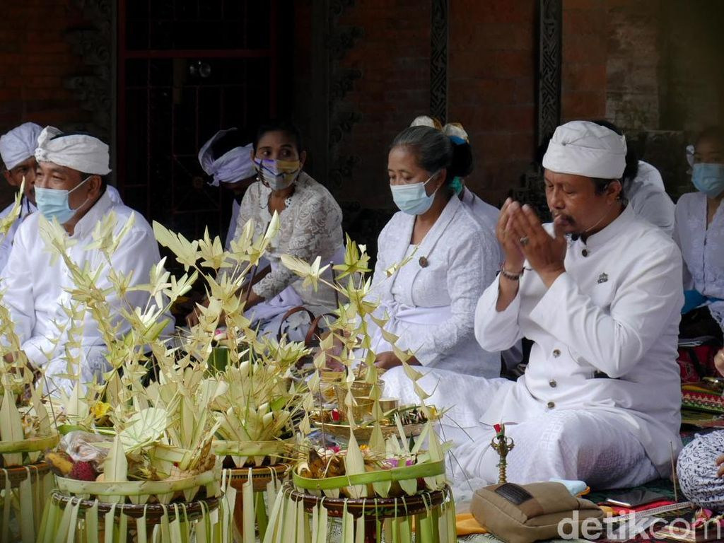 Menengok Ritual Tawur Agung Kesanga di Cimahi