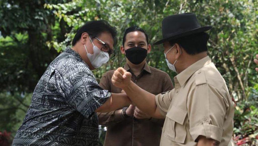 Momen Keakraban Prabowo dan Airlangga di Hambalang