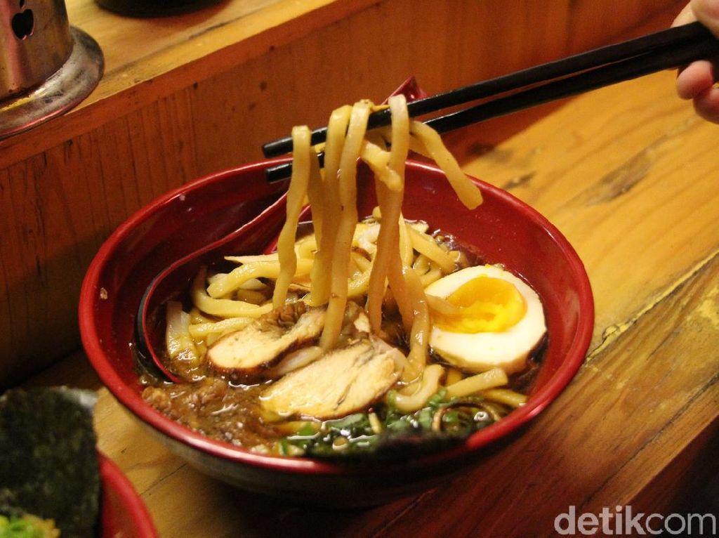 Sluurp! Hangat Gurih Curry Ramen ala Yatai di Kota Malang