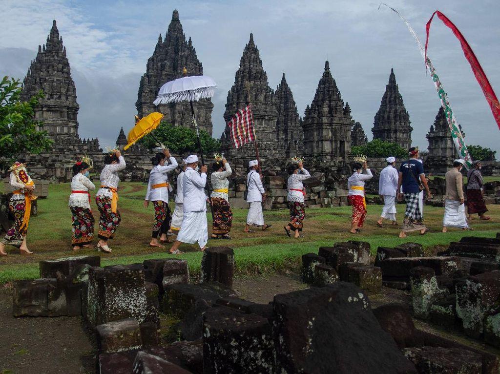 Ritual Tawur Agung Kesanga di Candi Prambanan