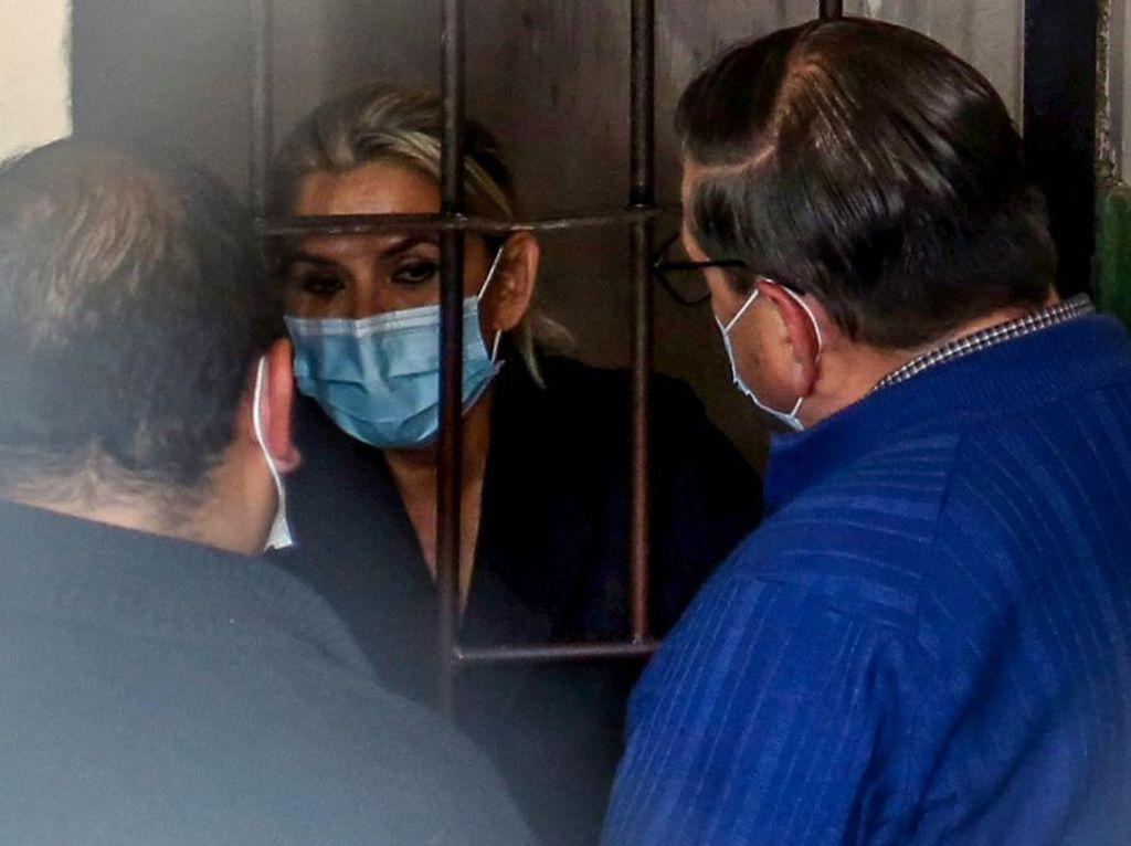 Dituduh Terlibat Kudeta, Mantan Presiden Bolivia Ditahan