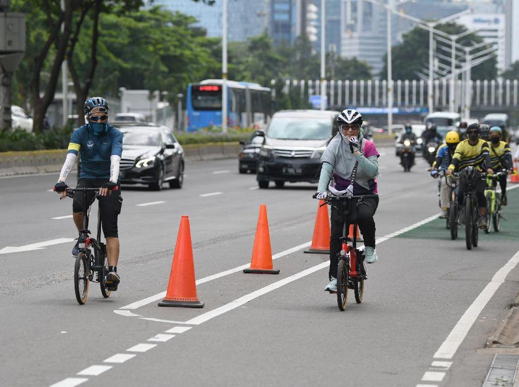 Heboh Peleton Road Bike Jalur Kanan, Bagaimana Aturan Bersepeda di DKI?