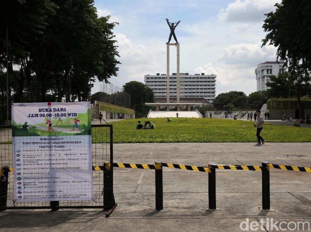 Kembali Dibuka untuk Umum, Taman Lapangan Banteng Ramai Pengunjung