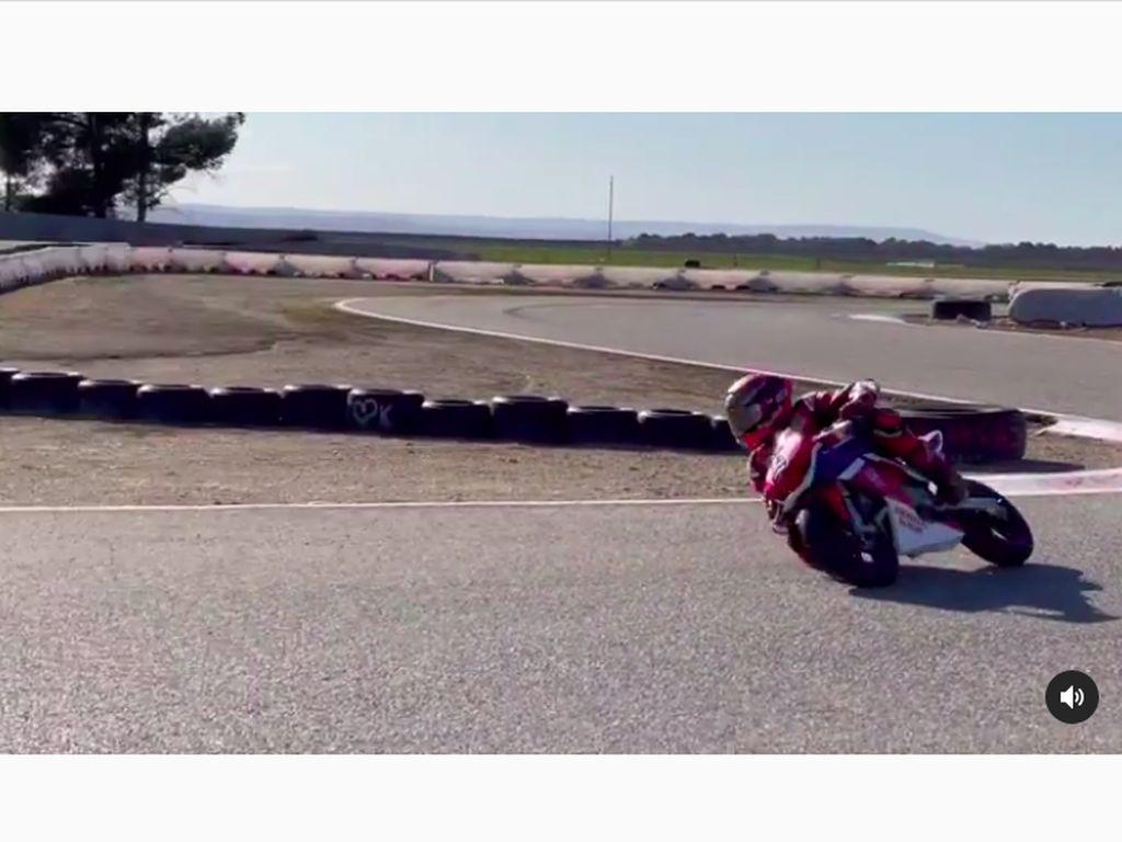 Pakai Motor Mini, Marc Marquez Akhirnya Bisa Ngegas Lagi