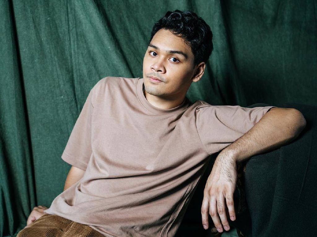 Mikha Angelo Buka Sulitnya Tulis Lagu dari Kisah Pribadi