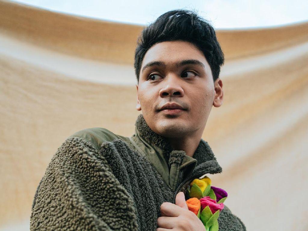 LOVER, Mini Album Ketika Mikha Angelo Jatuh Cinta