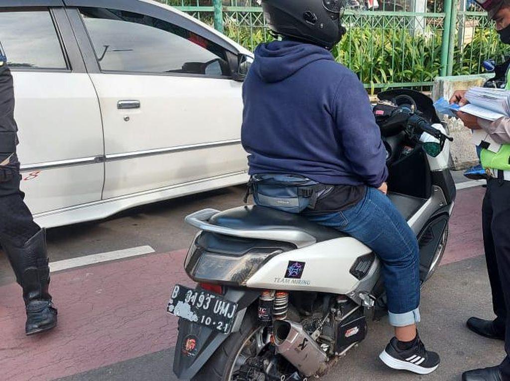 Razia Knalpot Bising di Bundaran HI-Monas, 30 Pemotor Ditilang Pagi Ini