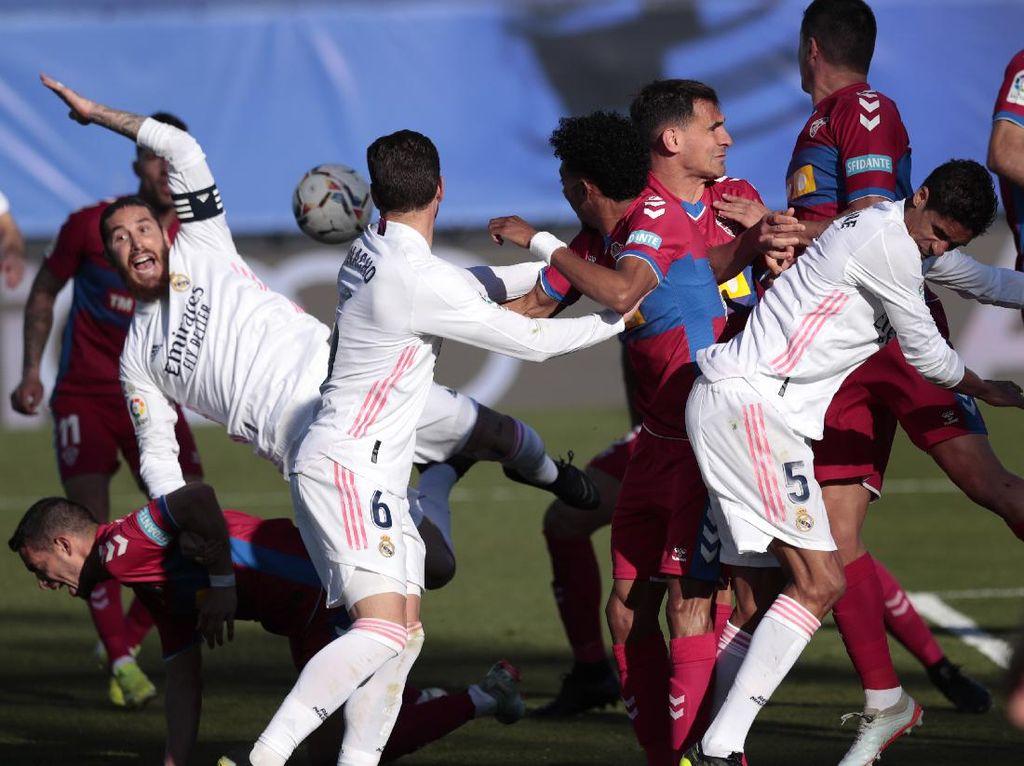 Ramos Tak Dapat Penalti dari Wasit, Zidane Bilang Begini