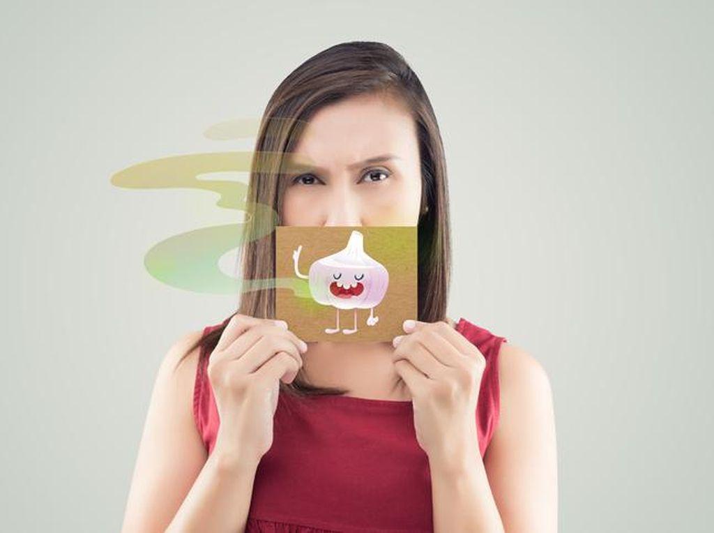 Tips Gampang Hilangkan Nafas Bau Bawang Putih, Contek Yuk!