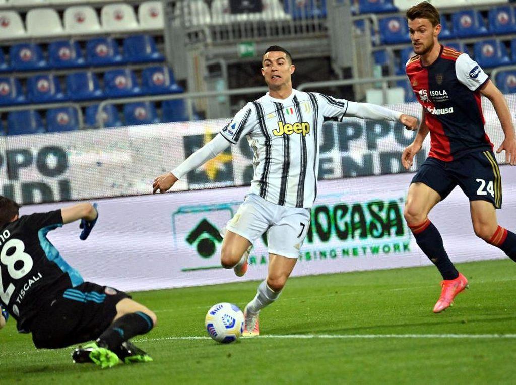 Ronaldo Lolos dari Kartu Merah Usai Tendang Wajah Kiper Cagliari
