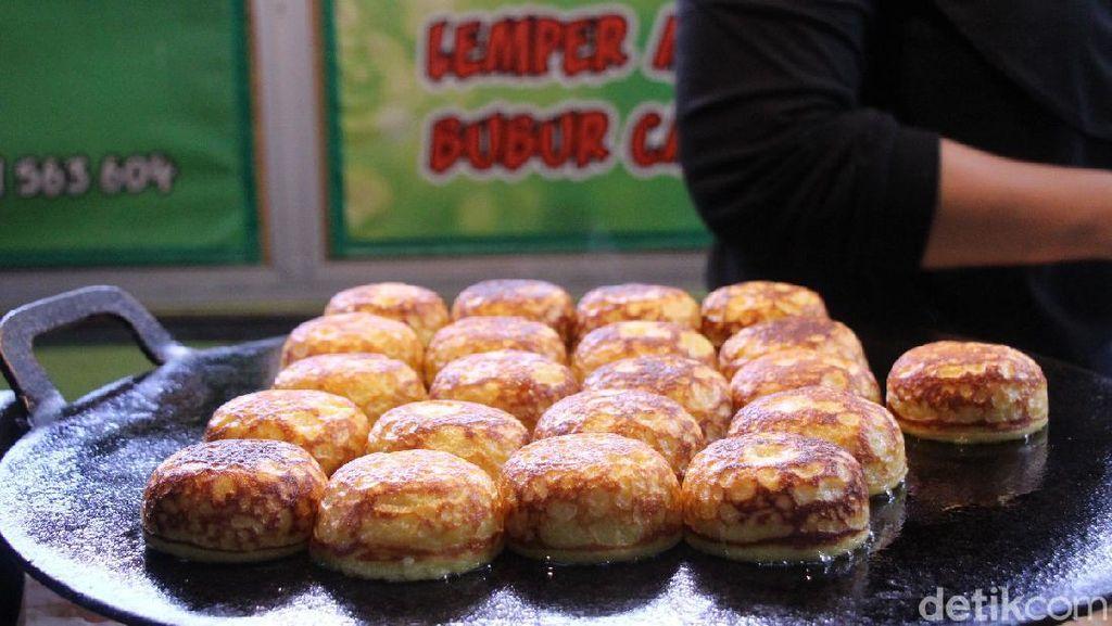 Nikmatnya Kue Lumpur Wolak-Walik di Pasar Oro-oro Dowo Malang