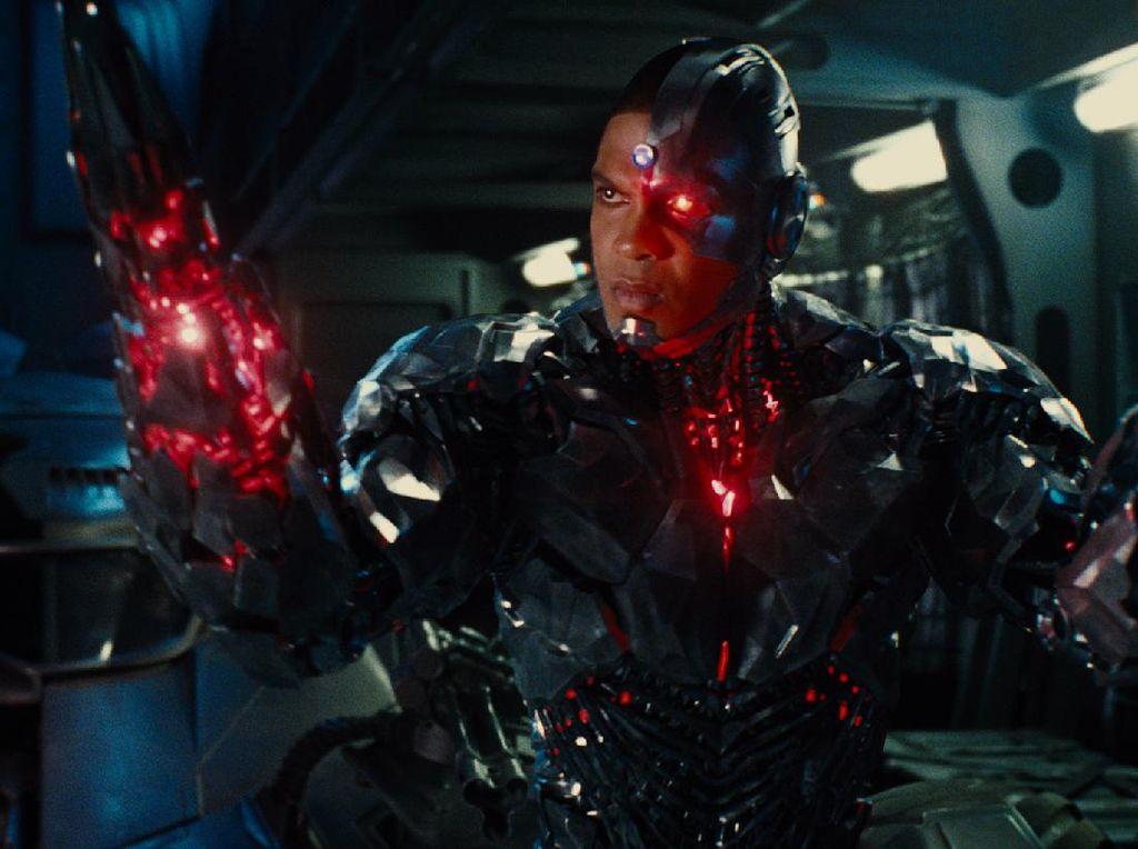 Pemeran Cyborg Buka-bukaan, Ungkap Sifat Joss Whedon yang Semena-mena