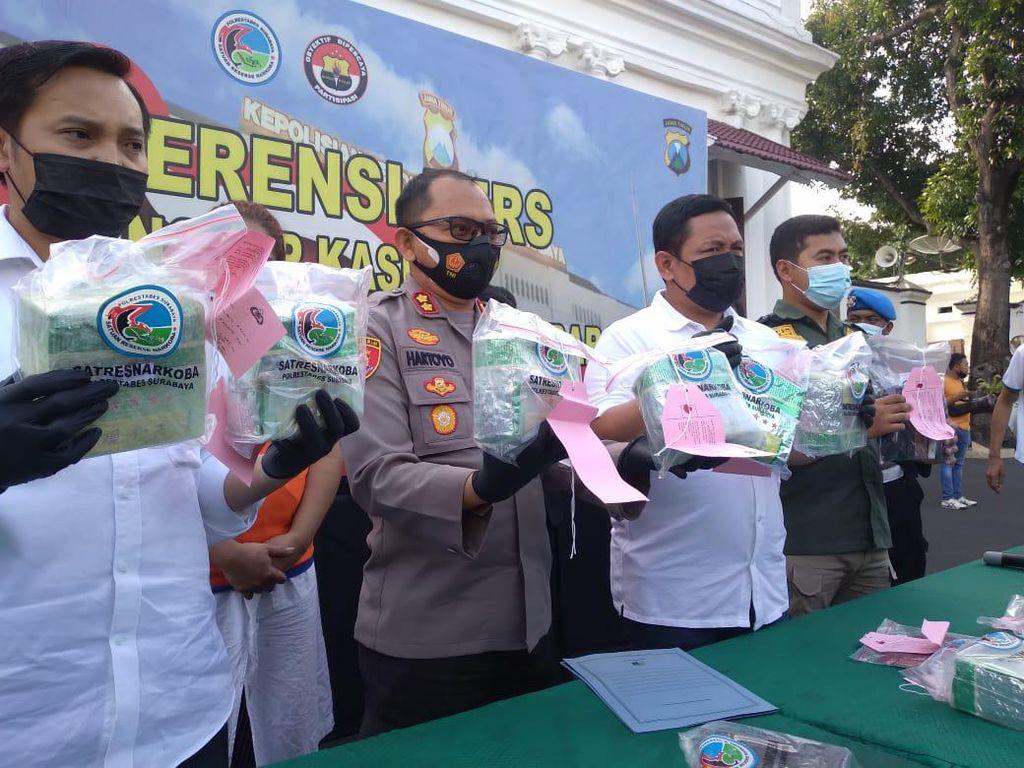 8 Kg Sabu Disita Polisi Surabaya dari 2 Kurir