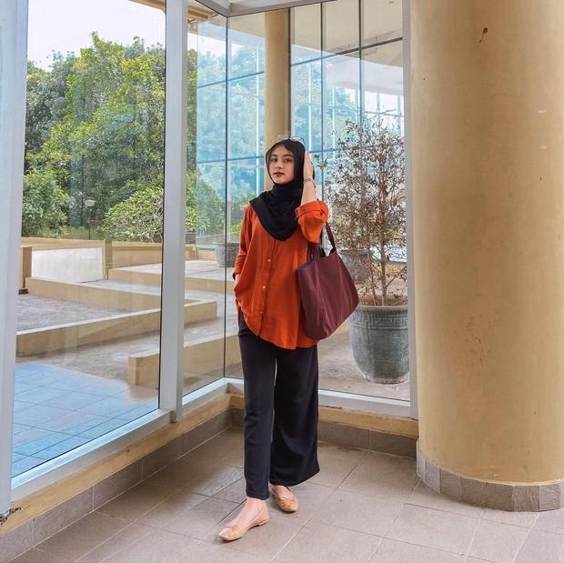 Intip Mix and Match Wide Leg Trouser ala Hijabers TikTok Cantik Alifhia Fitri