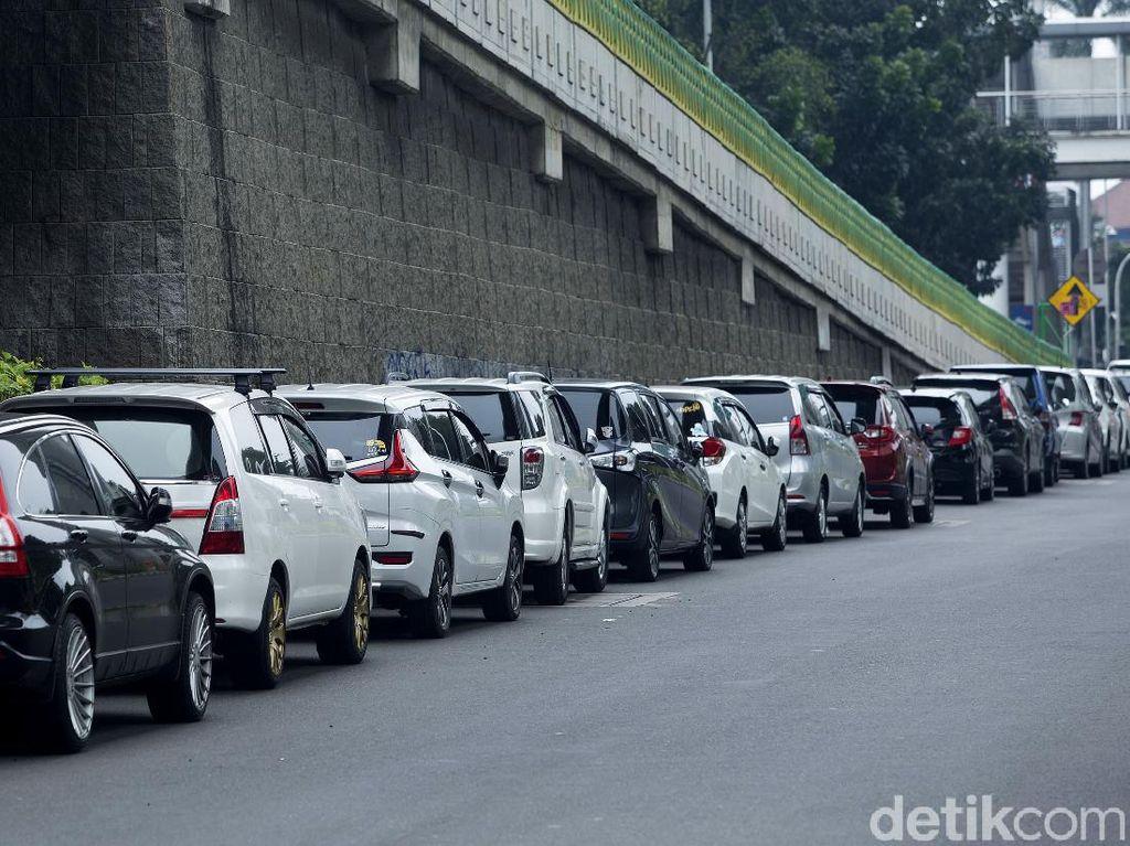Parkir Sembarangan di Jalan Trunojoyo Lagi Ngehits