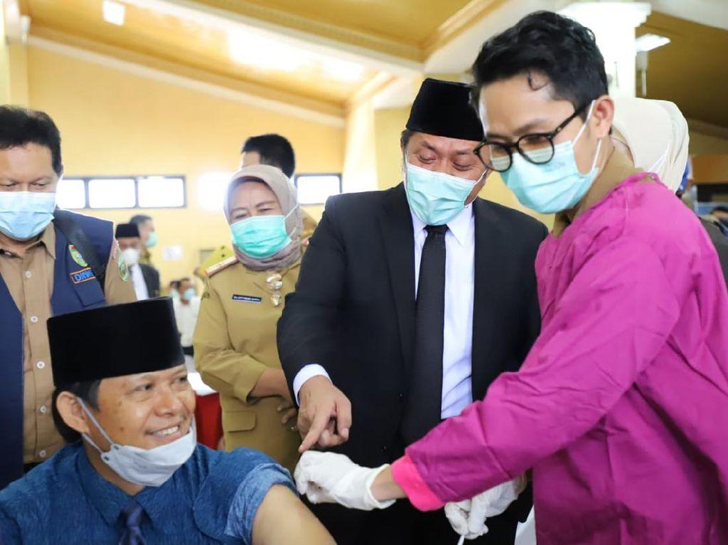 Gubernur Sumsel Cek Vaksinasi Anggota DPRD