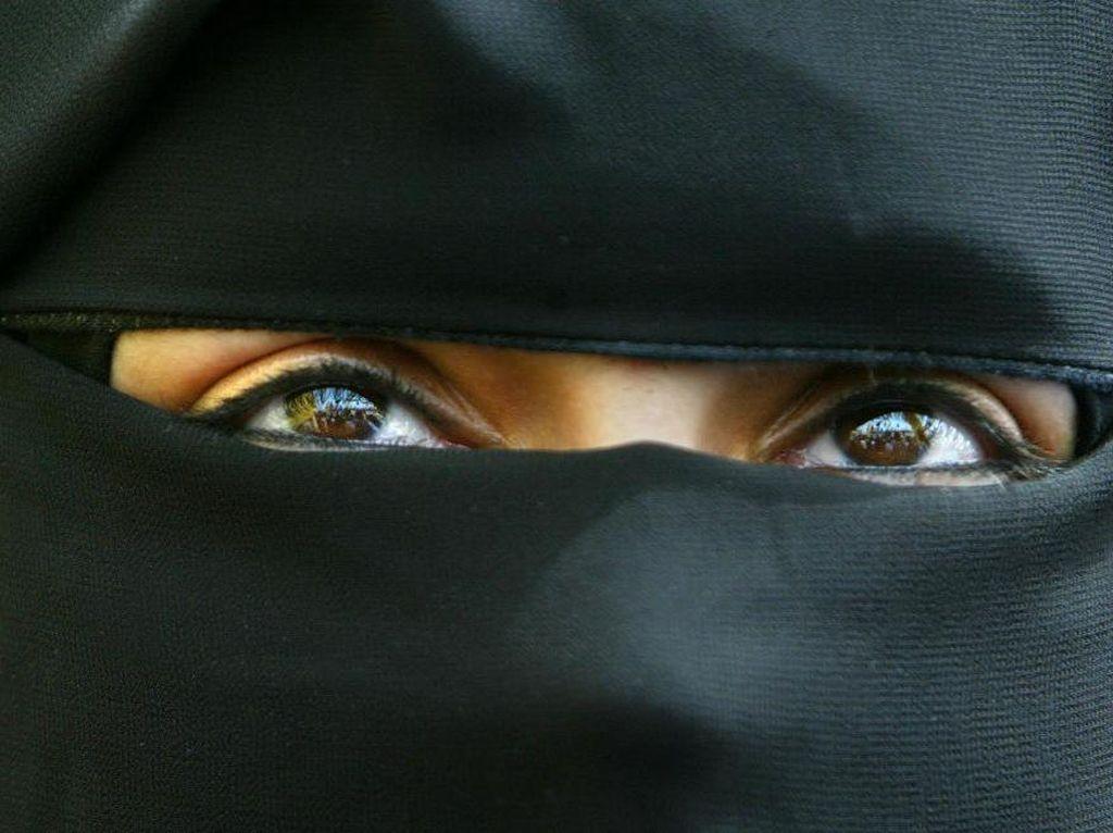 Di Balik Keputusan Sri Lanka Larang Pemakaian Burka