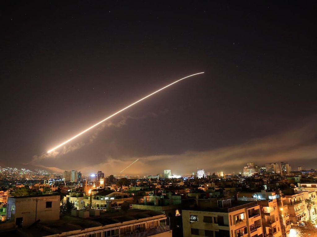 Suriah Tembak Jatuh Rudal-rudal Israel