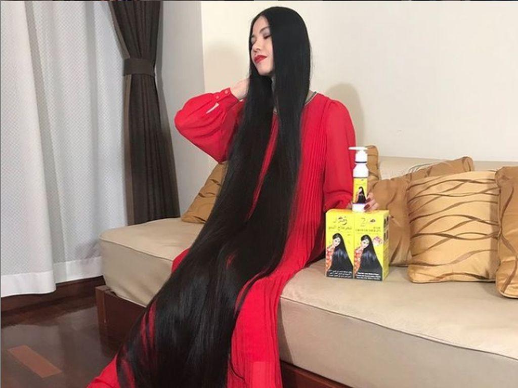 Wanita Tak Potong Rambut 15 Tahun, Sebut Dirinya Rapunzel Jepang