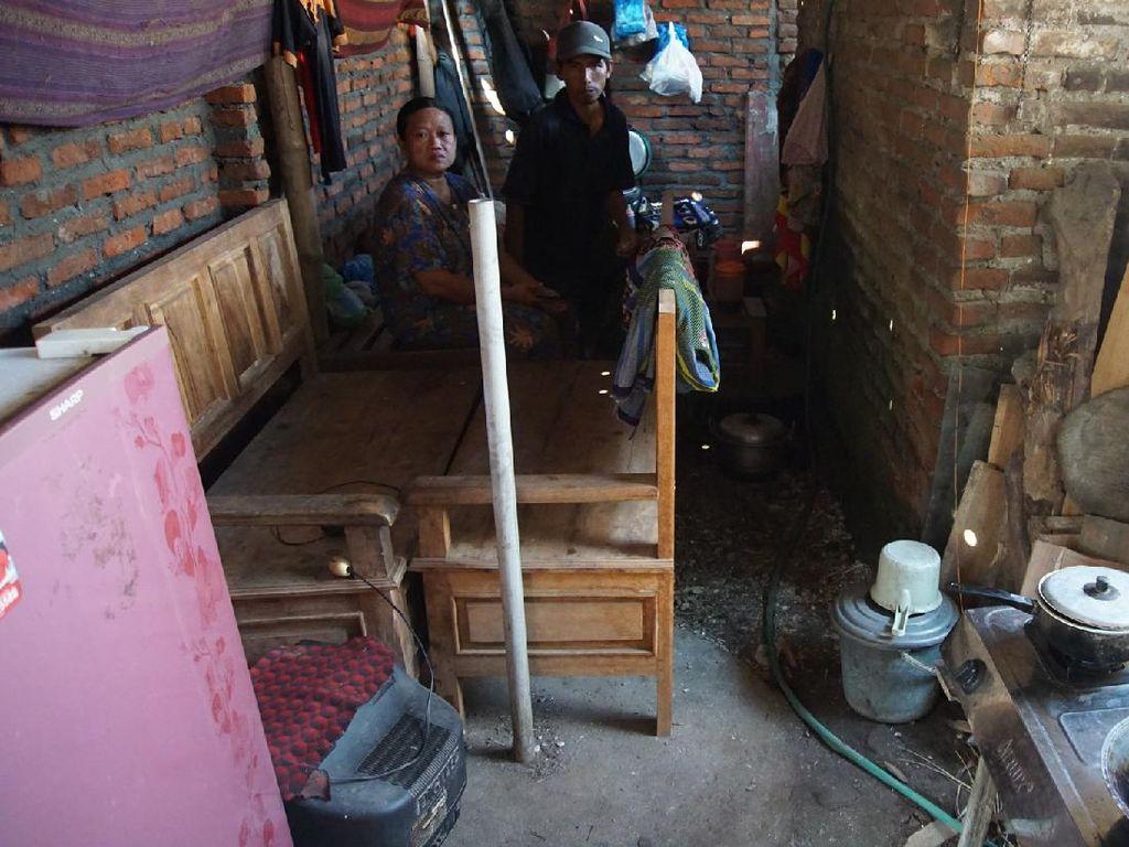 Penampakan Rumah Kasnan yang Dihancurkan Mantan Istrinya