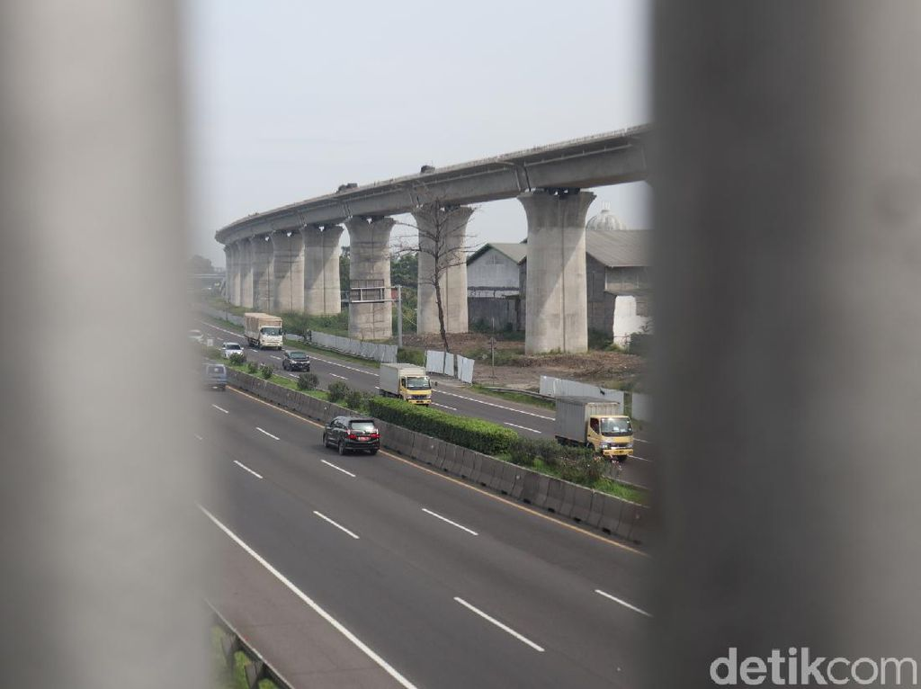 Kereta Cepat Jakarta-Bandung Ditargetkan Tes Fungsi Agustus 2022