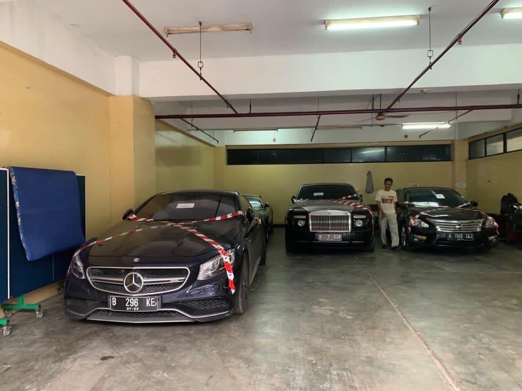 Kejagung Titip Barang Bukti Rolls-Royce Phantom Coupe ke Kantor Asabri
