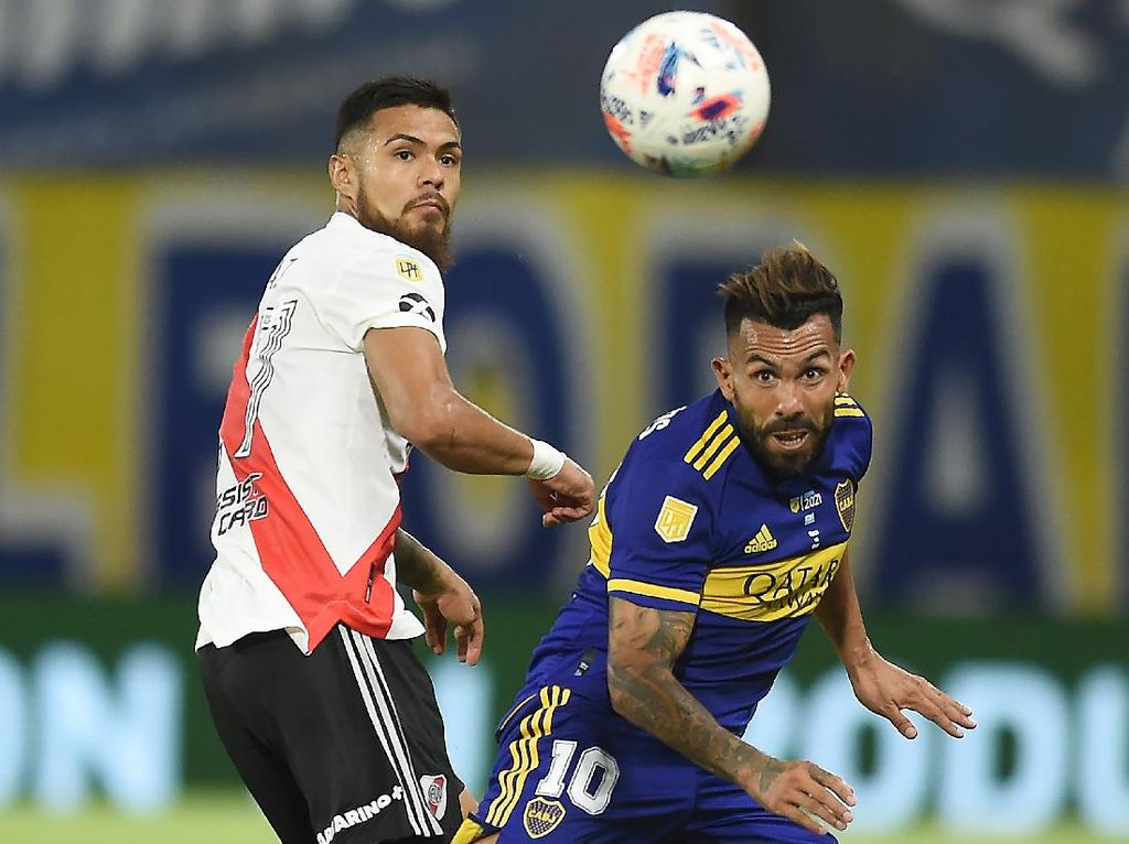 Aneh! Bola Tolak Masuk ke Gawang di Superclasico Argentina
