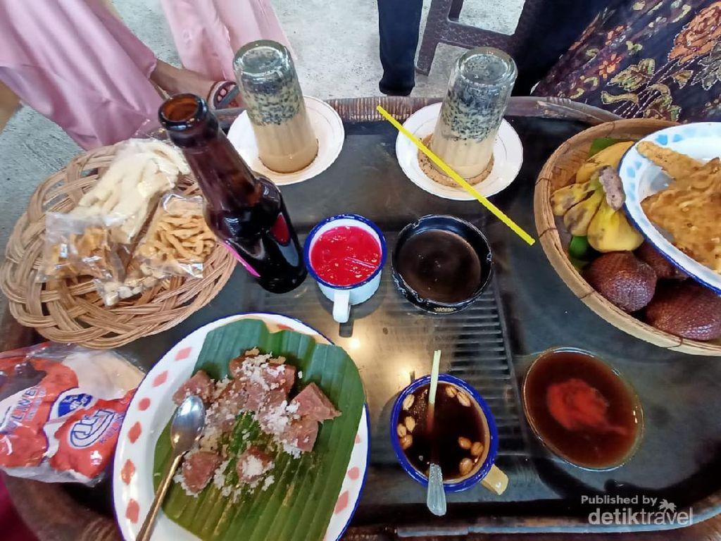 Jameuen Kupie, Ini Kafe Bernuansa Tempo Dulu di Aceh