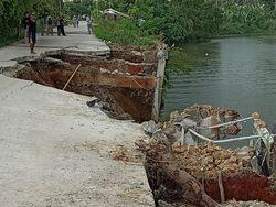 Longsor Jl Tanjung Burung Tangerang Belum Diperbaiki, Warga Khawatir