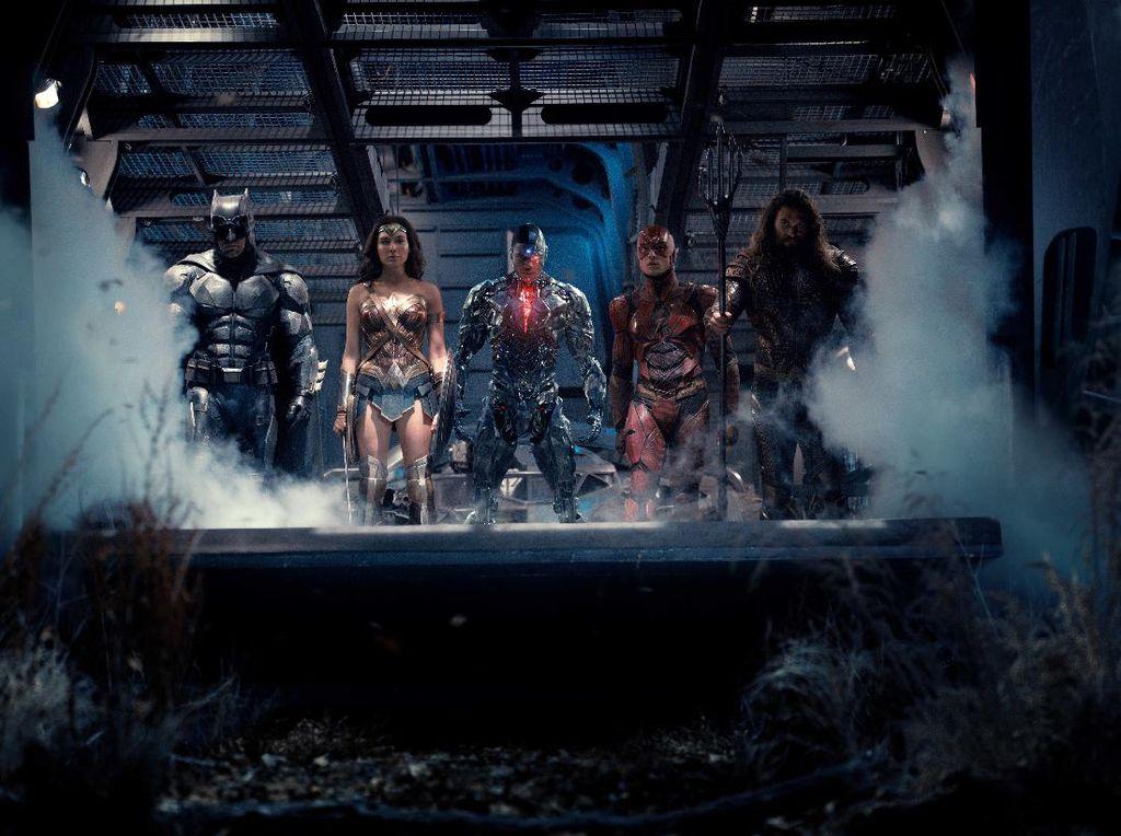Ini Superhero DCU Favorit Zack dan Deborah Snyder