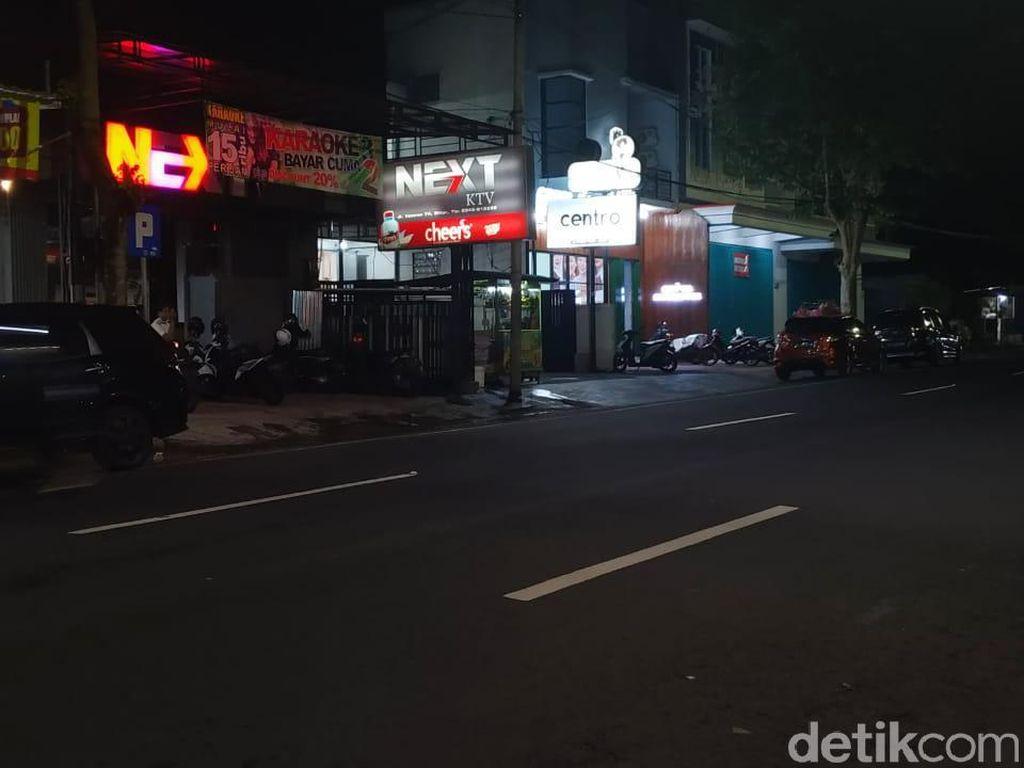 Penggerebekan Karaoke Next KTV, Polisi Temukan Kondom dan Celana Dalam