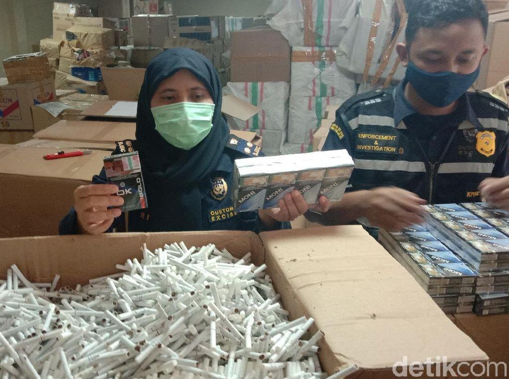 Edarkan Rokok Ilegal di Jateng, 1 Penjual dan 2 Sopir Jadi Tersangka