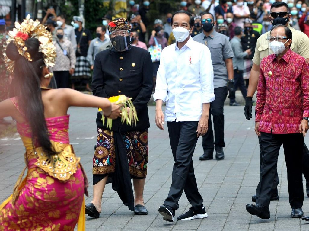 Jokowi Didapuk Jadi Pemimpin Wisata Dunia