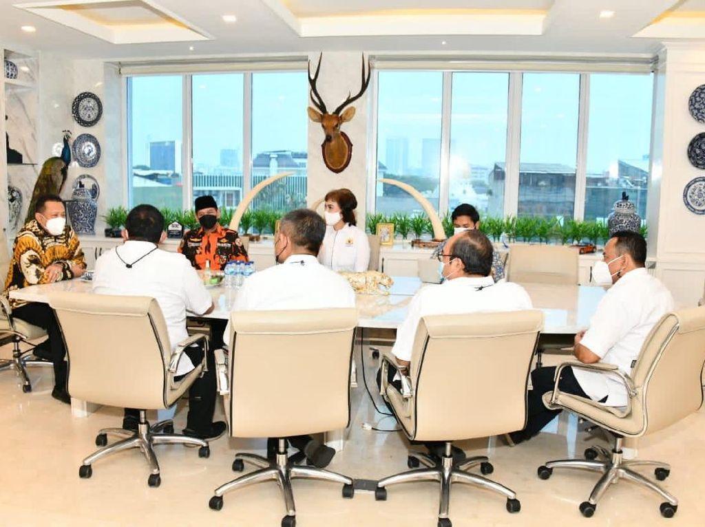 Ketua MPR Ajak Pengusaha di Jabar Gotong Royong Genjot Ekonomi RI
