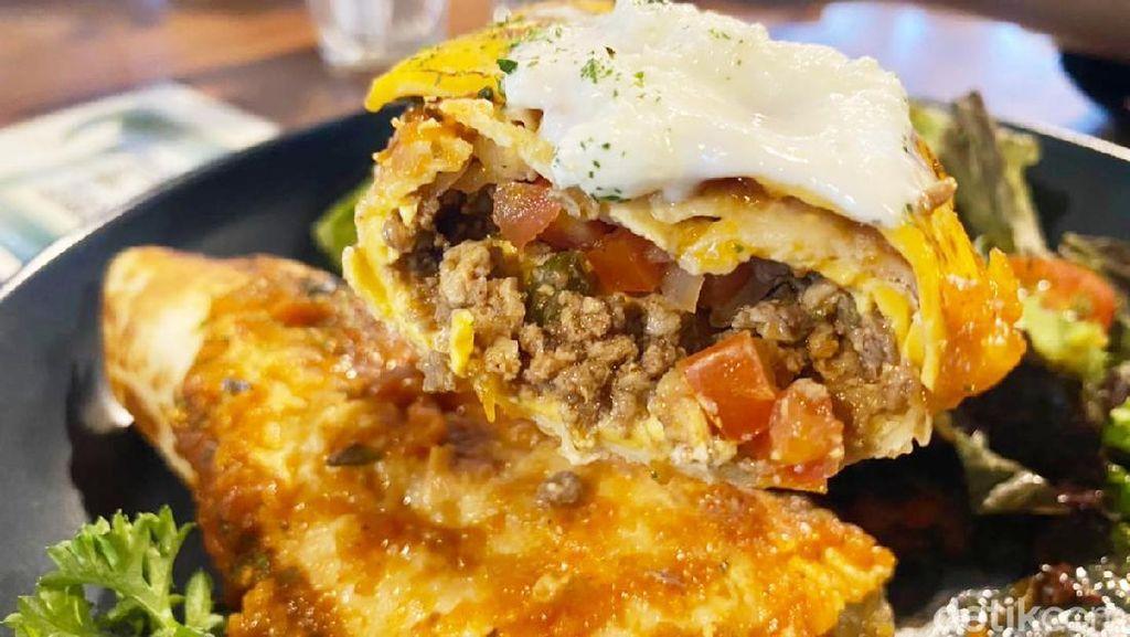 Makan Enak Gouda Taco Enchiladas dengan Lemon Biscoff Croffle