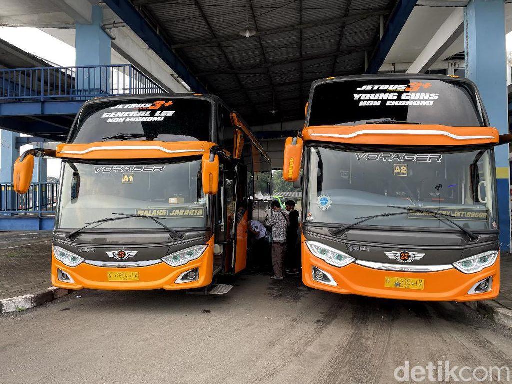 Heboh Warga Kongo Keruk Gunung Emas-Bus President Class Malang-Jakarta