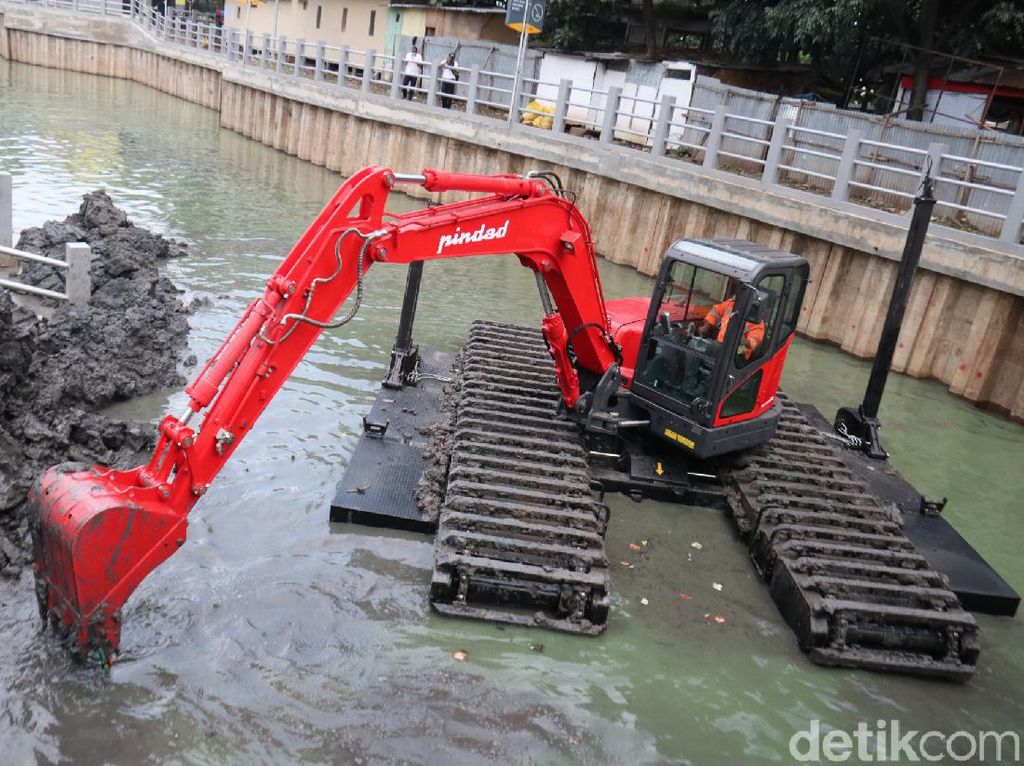 Pemkot Bandung Kepincut Amphibious Buatan Pindad